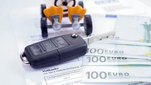 Kfz-Versicherung g�nstig abschlie�en ©kelifamily � Fotolia.com