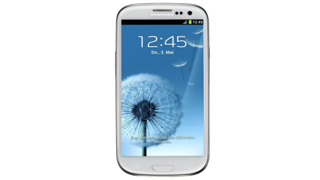 Samsung Galaxy S3 i9300i © Amazon