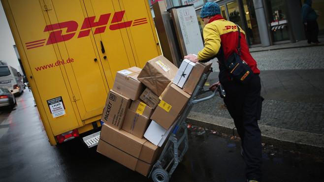 Paketdienst ©DHL