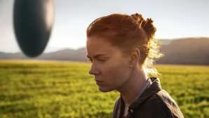 Amy Adams und das Raumschiff ©Sony Pictures