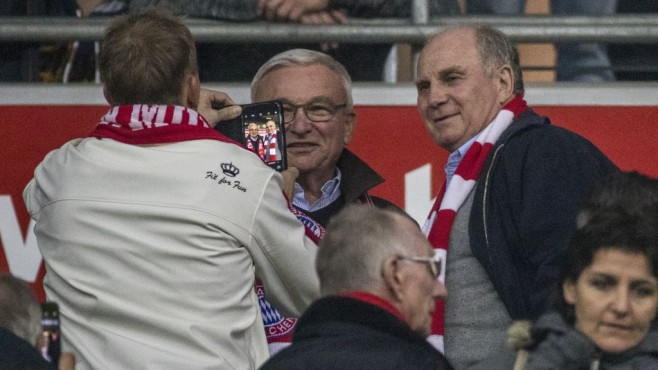 Hoeneß mit Fan © Marc Müller/gettyimages