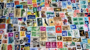 Viele Briefmarken © Eduaction Images/gettyimages