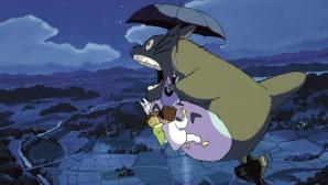 Mei und Satsuki fliegen mit Totoro ©Super RTL