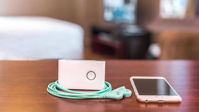 FlexR-Device und Smartphone ©HealerTech Inc.