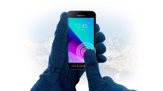 Samsung Galaxy Xcover 4: Bedienung mit Handschuhen ©Samsung