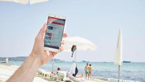 Hand mit Handy ©Vodafone