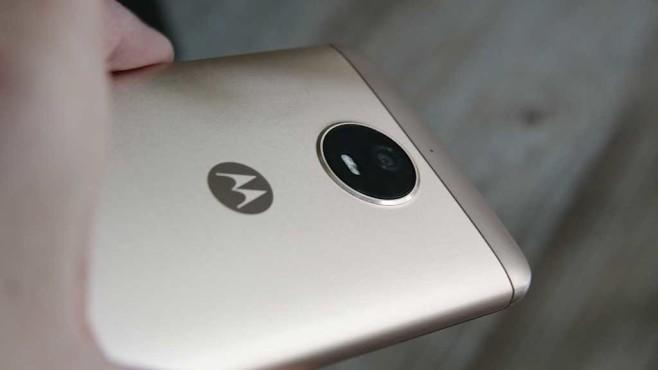 Motorola Moto E4: Hochwertige Verarbeitung ©COMPUTER BILD