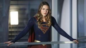 Supergirl �berlegt ©Warner Bros. Entertainment, Inc.