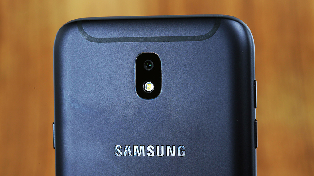 Samsung Galaxy J7 2017 Wallpapers: Galaxy J7 (2017) Im Test: Alle Details