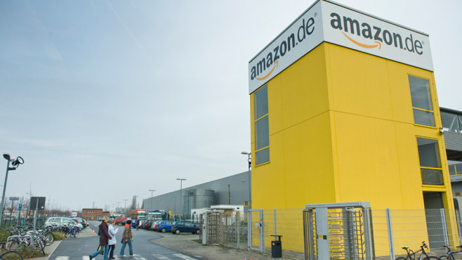 Amazon: Lager © dpa Bildfunk