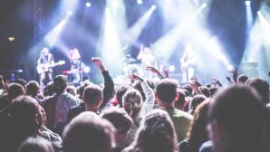 Festival-Saison: Diese Packliste ist Pflicht für alle Besucher! Ausgelassen feiern und Musik ohne Pause: Festivals begeistern Fans überall auf der Welt. ©Picjumbo/Pexels