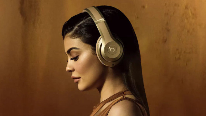 Beats: Kylie Jenner © Apple / Beats by Dre / Balmain