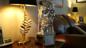 Terminator-Alexa ©AC Woldwide