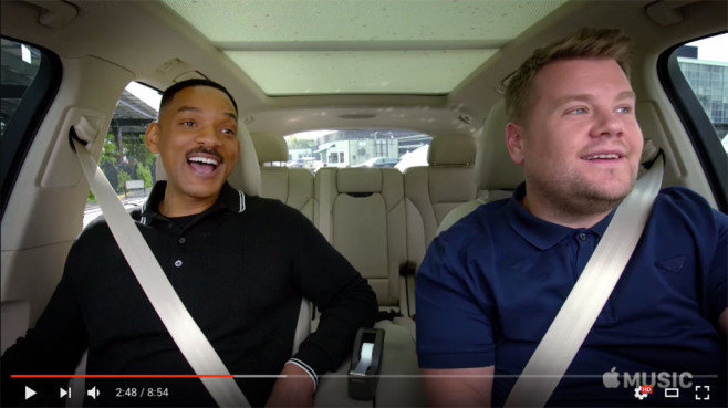 Will Smith und James Corden im Auto © Screenshot https://www.youtube.com/watch?v=P-0PB4cbtDc