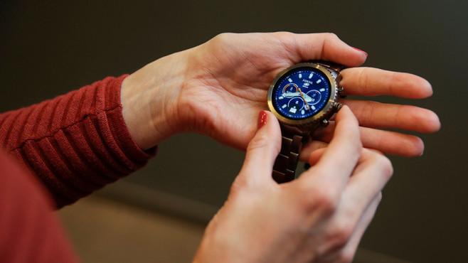 Fossil Q Explorist: Smartwatch mit Android Wear 2.0 Die Fossil Q Explorist ist die Herren-Variante der dritten Smartwatchgeneration. ©COMPUTER BILD