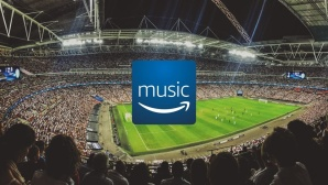 Fußball-Stadion, Amazon-Music-Logo ©pexels; COMPUTER BILD