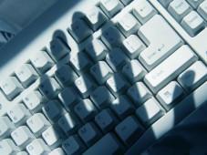 Schn�ffler im PC Achtung, Schn�ffler: Datenspione sind in der Lage Passw�rter oder Surf-Verhalten auszusp�hen. ©� Feng Yu - Fotolia.com