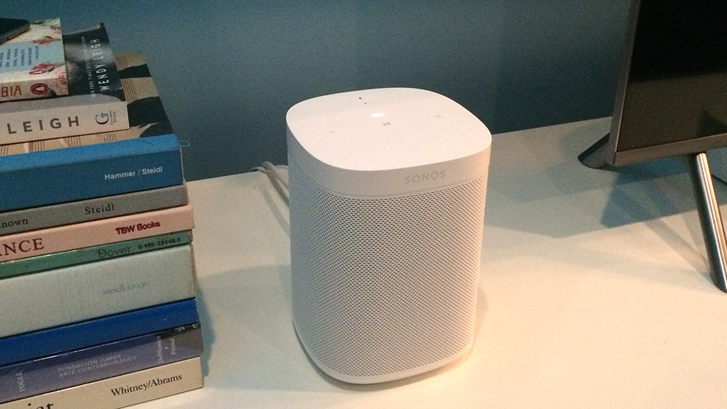 sonos one test des wlan lautsprechers mit alexa audio. Black Bedroom Furniture Sets. Home Design Ideas