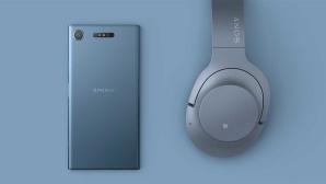 Sony Xperia XZ1 mit WH-H900N ©Sony