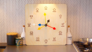 Eta Clock: Wie die Weasley-Uhr bei Harry Potter ©DC Creatives