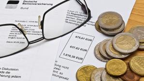 Brille und Geld auf Rentenbescheid ©Stockfotos-MG - Fotolia.com