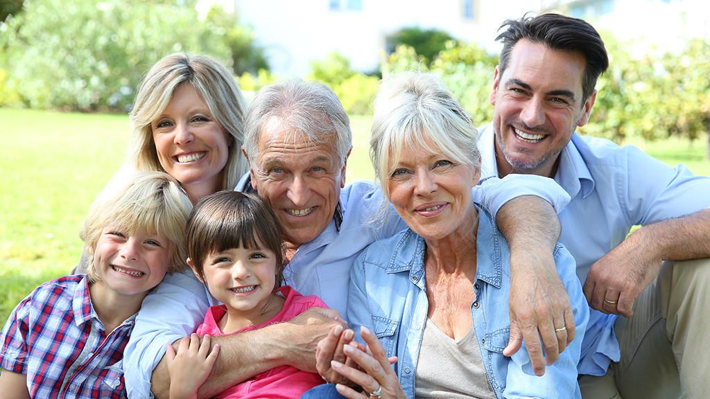 Tipps f�rs perfekte Familienfoto ©goodluz � Fotolia.com