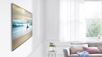 Samsung QLED Fernseher an der Wand©Samsung
