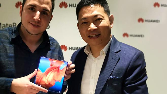 Huawei-CEO Richard Yu und COMPUTER BILD-Redakteur Robert Berg©COMPUTER BILD
