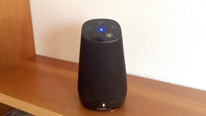 Der Auvisio QAS-300 spielt Musik per Bluetooth und WLAN, per Fingertipp ist zudem Alexa erreichbar.©COMPUTER BILD