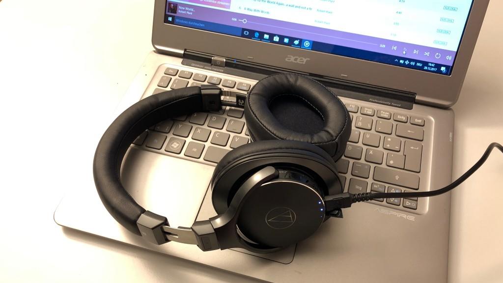 Audio Technica ATH-DSR7BT im Test: Dieser Kopfhörer ist anders - und besser! Per USB am Computer angeschlossen, läuft der Audio Technica ATH-DSR7BT zur Höchstform auf.©COMPUTER BILD
