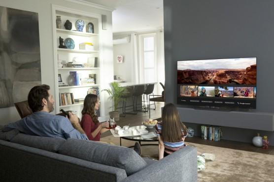 LG Fernseher sprechen mit Alexa und Google TV-Programm oder auch Fotos suchen, Aufnahmen programmieren, Netflix starten und vieles mehr: Die neuen Fernseher von LG sollen sich besser per Sprache bedienen lassen.©LG Electronics