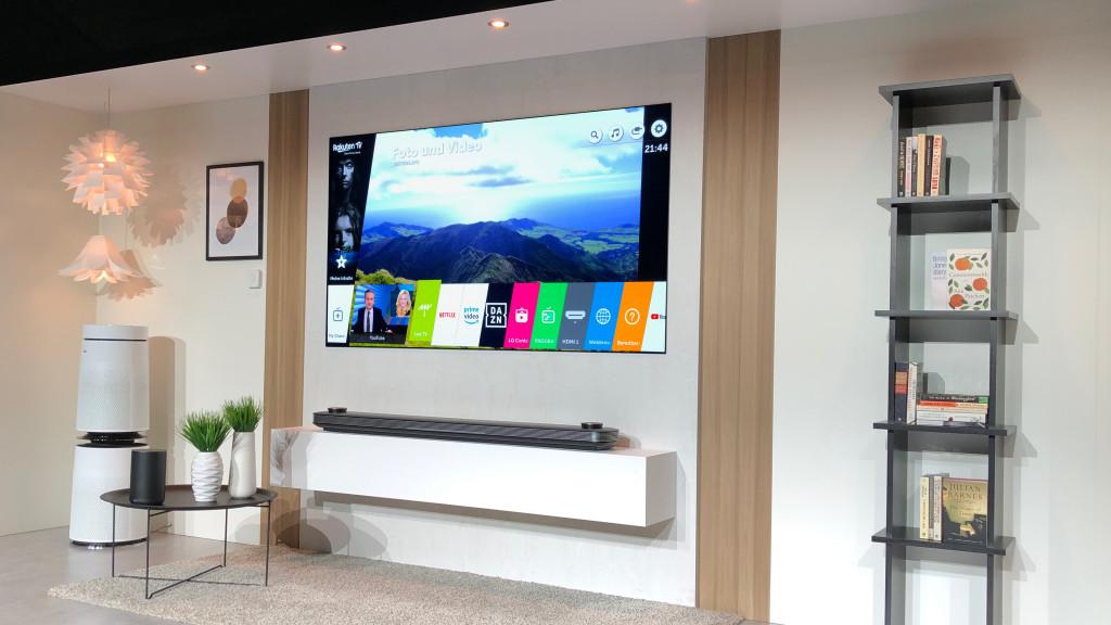 oled w8 im test das ist der beste oled tv von lg audio video foto bild. Black Bedroom Furniture Sets. Home Design Ideas