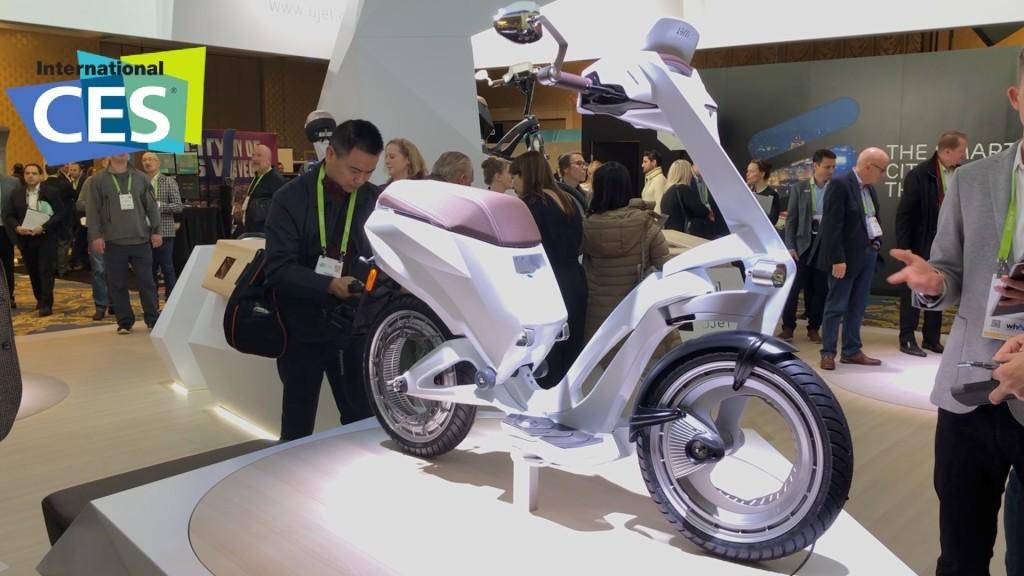 Ujet Electric Scooter: Ausklappen und losfahren