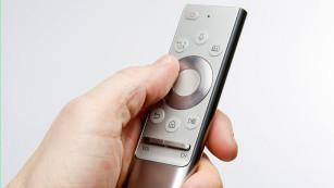 Samsung 75Q900: QLED-TV-Fernbedienung©COMPUTER BILD