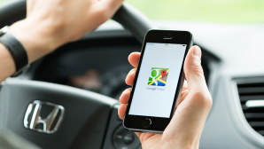 Google Maps für Apple CarPlay © iStock.com/pressureUA