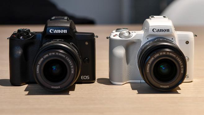 Canon EOS M50: Gibt's in weiß und schwarz©COMPUTER BILD