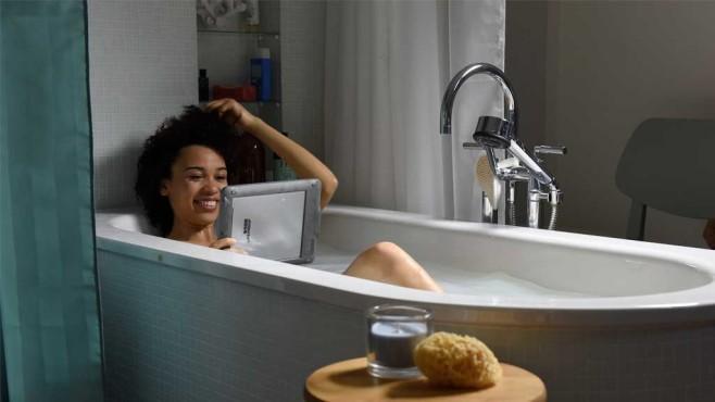 Magine TV in der Badewanne©Magine TV