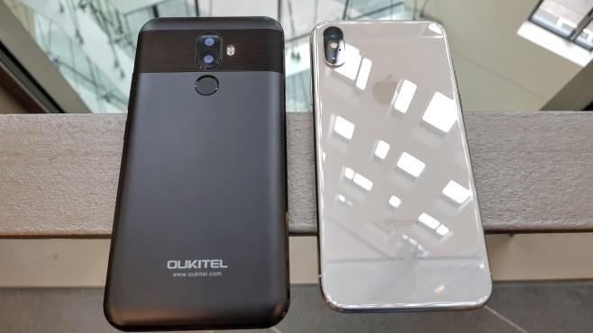Oukitel U18: Vergleich mit Apple iPhone X©COMPUTER BILD/Michael Huch