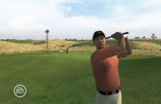 Tiger Woods PGA Tour 2008 Namensgeber Tiger Woods drischt den Ball übers Fairway.