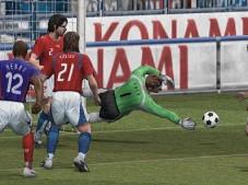 Pro Evolution Soccer: Bald auf Wii kicken (Abbildung: Playstation-2-Version)