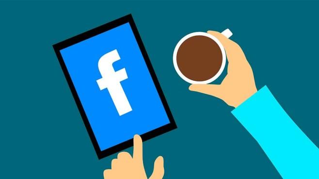 Facebook-Logo auf Tablet©pixabay