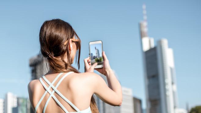 Smartphone Fotografie©istock/RossHelen