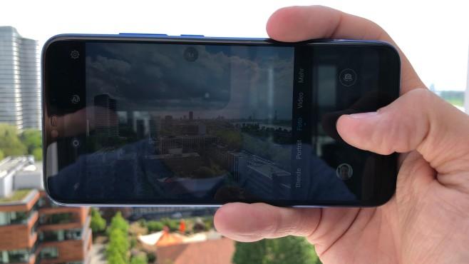 Honor 10: Test, Infos, Preis, Release, Kaufen Die Dual-Kamera liefert bei Tagaufnahmen ansehnliche Bilder. Aber auch hier zeigt sich, dass der Bildschirm ruhig etwas heller ausfalle hätte dürfen.©COMPUTER BILD
