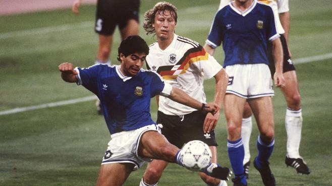 Diego Maradona bei der Weltmeisterschaft 1990©gettyimages/Bongarts