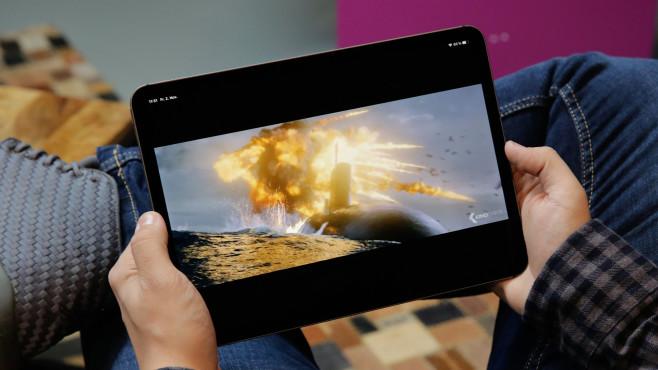 Apple iPad Pro (2018) 11-Zoll: Apple macht das iPad zum Notebook-Ersatz Das 11-Zoll-Display vom iPad Pro ist auch ohne OLED-Panel farbenfroh und hell genug.©COMPUTER BILD