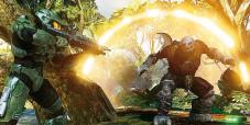 Halo 3: Der Masterchief steht einem fiesen Alien-Angreifer gegenüber.