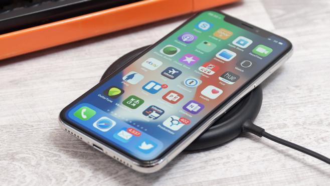 Apple iPhone X drahtlos laden©COMPUTER BILD