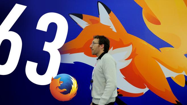 Mann vor Firefox-63-Poster©Mozilla, JOSEP LAGO /gettyimages