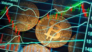 Bitcoins mit Kursverlauf©iStock.com/KeremYucel