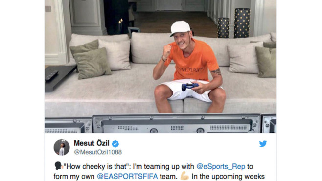 Mesut Özil: eSport©Twitter.com / Mesut Özil